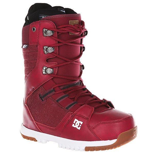 Ботинки для сноуборда DC Mutiny MaroonПрогрессивный дизайн в классическом силуэте - ботинки DC Mutiny созданы для комфортного катания и высокой производительности. Внутренник White Liner готов обеспечить тепло и комфорт, прочная резиновая подошва оснащена цепким протектором, а стелькаUnilite™ из вспененного материала в сочетании в технологией демпфирования Impact-S добавит амортизации, защищая ступни во время жестких приземлений во время катания в парке.Характеристики:Традиционная шнуровка.Металлические крючки шнуровки с фирменнымлоготипом. Подошва из вспененного материалаUnilite™.Прочная резиновая подошва. Внутренник White Liner.Стелька Impact S, защищающая пятку и стопу от внешних воздействий.Внутренняя вставка для поддержки лодыжки. Нашивка с фирменным логотипом на язычке ботинка.Пяточная петля. Нанесенный на язычке исбоку ботинка фирменный логотип.<br><br>Цвет: бордовый<br>Тип: Ботинки для сноуборда<br>Возраст: Взрослый<br>Пол: Мужской
