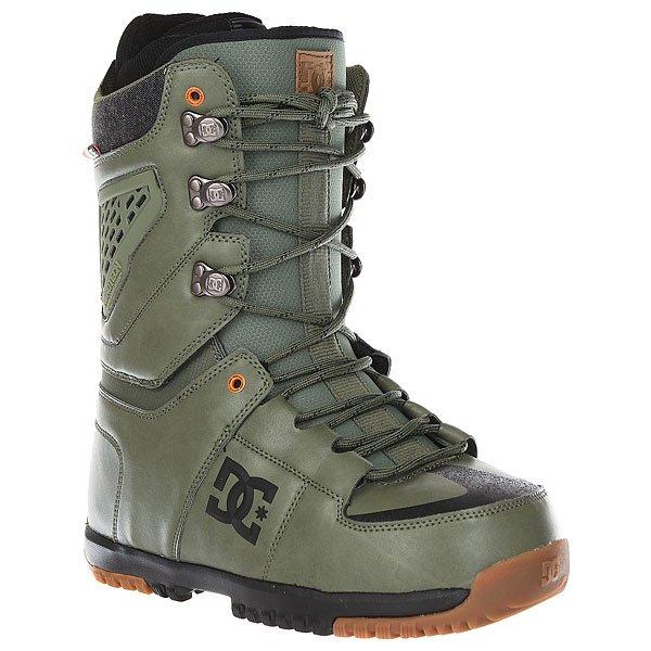 Ботинки для сноуборда DC Lynx Military GreenНадежные технологичные ботинки DC Lynx созданы для комфортного катания и отличной поддержки. Благодаря системе вентиляцииAerotech, обеспечивающей эффективное отведение нагретого влажного воздуха, Ваши ноги будут оставаться в тепле и сухости, а амортизирующая стелькаUniLite из вспененного материала EVA в сочетании с вставкой Impact S, демпфирующей удары, позволит Вашим ногам выдержать серьезные нагрузки целого катального дня и испытания новыми трюками.Характеристики:Традиционная шнуровка.Амортизирующая стелькаUniLite из вспененного материала EVA. Резиновая подошва с цепким протектором. Амортизирующая вставка в область пятки Impact S для защиты от ударов. Внутренник Black Liner. Поддержка лодыжки. Конструкция ботинка, позволяющая верхней части гнуться отдельно от нижней без деформации ботинка. Система вентиляцииAerotech. Фирменный логотип нанесен сбоку ботинка. Нашивка с фирменным логотипом на язычке. Верхние металлические крючки шнуровки с фирменным логотипом.Обработка верхней части носа ботинка, препятствующая истиранию, свойственная модельной линейкеLynx.<br><br>Цвет: зеленый<br>Тип: Ботинки для сноуборда<br>Возраст: Взрослый<br>Пол: Мужской