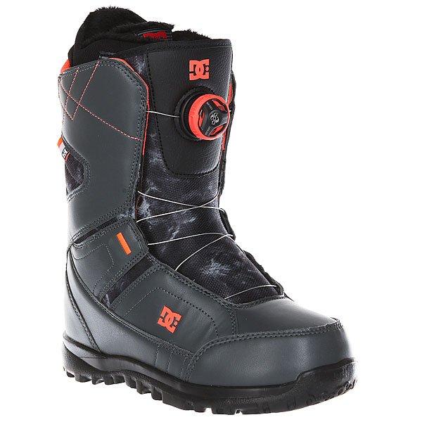 Ботинки для сноуборда женские DC Search Dark ShadowКомфортные и легкие ботинки на технологичной подошве Unilite™.Технические характеристики: Система скоростной шнуровки Boa® H3 Coiler™.Технологичная и легкая подошва Unilite™.Внутренник Red.Базовая сноубордическая стелька.Подошва из  полимера EVA.Жесткость 6/10.<br><br>Цвет: серый<br>Тип: Ботинки для сноуборда<br>Возраст: Взрослый<br>Пол: Женский