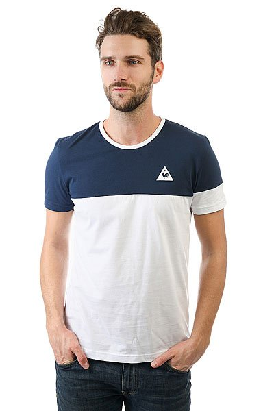 Футболка Le Coq Sportif Merrela Dress Blues/Optical White<br><br>Цвет: синий,белый<br>Тип: Футболка<br>Возраст: Взрослый<br>Пол: Мужской