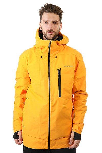 Куртка Quiksilver Impact Gore Cadmium YellowКуртка Impact из коллекции Highline - это максимально водонепроницаемая одежда, которая будет держать Вас в тепле и сухости день за днем, на любой вершине.Технические характеристики: Мембрана 2L GORE-TEX®.Утеплитель PrimaLoft® Silver (тело 60 г, рукава и капюшон 40 г).Подкладка из тисненой тафты и трикотажа с начесом.Полностью проклеенные швы.Вентиляционные отверстия на молнии с подкладкой из сетки.Три способа регулировки капюшона со стопперами Cohaesive™.Внутренние эластичные манжеты с отверстием для пальца.Внутренний карман для маски, медиа карман, скипасс карман.Ткань для протирки фильтра маски внутри одного из карманов.Вшитая снежная юбка из синтетической тафты с лайкровой вставкой.Система пристегивания куртки к штанам.Брелок для ключей.Водонепроницаемые молнии YKK® Aquaguard®.Приталенный крой.<br><br>Цвет: желтый<br>Тип: Куртка утепленная<br>Возраст: Взрослый<br>Пол: Мужской