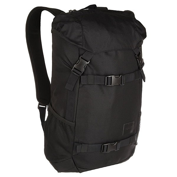 Рюкзак туристический Nixon Landlock Backpack Se All BlackВместительный рюкзак с креплениями для доски. Теперь Вы можете смело отправляться на самый дальний спот, захватив с собой все необходимое и даже больше. Nixon Landlock отлично подойдет для путешествий: благодаря полезному объему в 33 литра Вам, возможно, даже не придется брать с собой чемодан. А слегка аутентичный вид отлично впишется в Ваш городской лук, добавив стиля. Характеристики:Внешние крепления для доски. Ручка для переноски. Кожаный логотип. Основной отсек закрывается на верхний клапан и дополнительно утягивается шнурком. Внутренние карманы на молнии в основном отсеке. Эргономичная мягкая спинка. Мягкие лямки. Боковые карманы.Материал: прочный полиэстер 600D. Материал подкладки: полиэстер 210D.<br><br>Цвет: черный<br>Тип: Рюкзак туристический<br>Возраст: Взрослый
