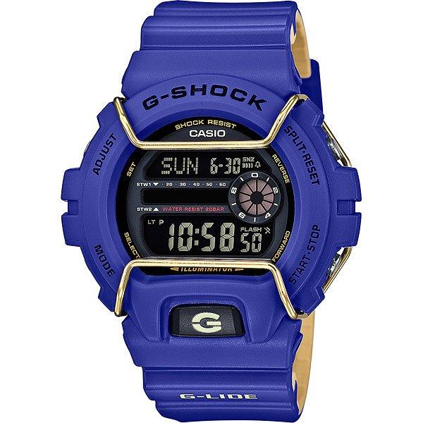 Кварцевые часы Casio G-shock 67585 Gls-6900-2eНовый представитель G-Lide нацелен на зимние виды спорта, где демонстрирует идеальную работоспособность при -20°С. Характеристики:G-Lide.Противоударный корпусзащищает механизм от ударов и вибрации. Модуль часов рассчитан на работу при низких температурах до -20°С/-4°F. Электролюминесцентная подсветка освещает весь циферблат. При повороте часов в сторону лица, подсветка включается автоматически.Мировое время– 48 городов (29 часовых поясов). Функция включения/отключения летнего времени.12-ти и 24-х часовой формат времени. Два секундомера с точностью показаний 1/100 сек и временем измерения 1000 часов.Сплит-хронограф.Таймер обратного отсчета от 1мин до 24ч с автоповтором. Функция отключения/включения звука. Световая индикация сигнала. 5 будильников, один с функцией Snooze, ежечасный сигнал. Автоматический календарь: число, день недели, месяц (до 2099г).<br><br>Цвет: фиолетовый<br>Тип: Кварцевые часы<br>Возраст: Взрослый<br>Пол: Мужской
