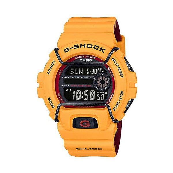 Электронные часы Casio G-shock 67586 Gls-6900-9e YellowНовый представитель G-Lide нацелен на зимние виды спорта, где демонстрирует идеальную работоспособность при -20°С. Характеристики:G-Lide.Противоударный корпусзащищает механизм от ударов и вибрации. Модуль часов рассчитан на работу при низких температурах до -20°С/-4°F. Электролюминесцентная подсветка освещает весь циферблат. При повороте часов в сторону лица, подсветка включается автоматически.Мировое время– 48 городов (29 часовых поясов). Функция включения/отключения летнего времени.12-ти и 24-х часовой формат времени. Два секундомера с точностью показаний 1/100 сек и временем измерения 1000 часов.Сплит-хронограф.Таймер обратного отсчета от 1мин до 24ч с автоповтором. Функция отключения/включения звука. Световая индикация сигнала. 5 будильников, один с функцией Snooze, ежечасный сигнал. Автоматический календарь: число, день недели, месяц (до 2099г).<br><br>Цвет: желтый<br>Тип: Электронные часы<br>Возраст: Взрослый<br>Пол: Мужской