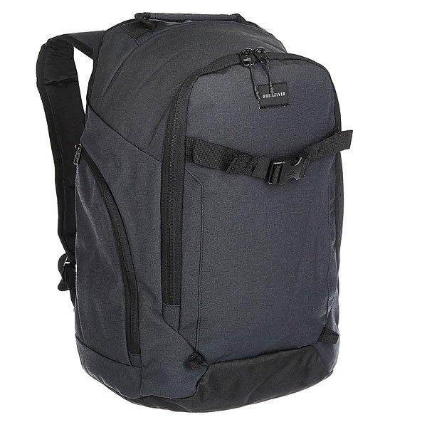 Рюкзак городской Quiksilver Backwash True BlackВместительный городской рюкзак, в который с легкостью поместиться спортивная форма для тренажерного зала или пляжное полотенце. В рюкзаке предусмотрен съемный герметичный мешок для мокрой одежды или, к примеру, для гидрокостюма.Характеристики:Съемный герметичный мешок для мокрой одежды. Вместительный основной отсек. Внутренний органайзер для телефона и мелочей. Внешний карман на молнии. Внешнее крепление для доски.Два боковых кармана на молнии. Ручка для переноски. Плотные регулируемые лямки.Поперечный грудной ремешок. Плотная спинка.<br><br>Цвет: серый,черный<br>Тип: Рюкзак городской<br>Возраст: Взрослый<br>Пол: Мужской