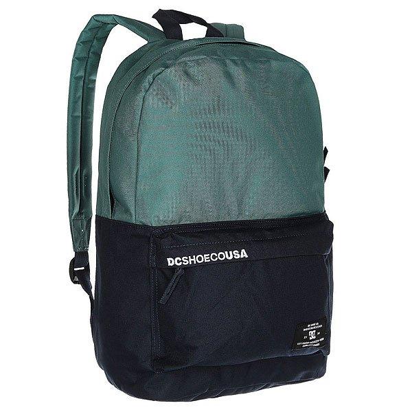 Рюкзак городской DC Bunker Cb Sea PineКомпактный городской рюкзак с отсеком для ноутбука не обременит Вас множеством отсеков и кармашков, предоставляя единое вместительное пространство для самых необходимых вещей и небольшой внешний карман для мелочей. Классический силуэт, универсальный дизайн и стильная графика позволят DC Bunker стать отличным дополнением к городскому луку.Характеристики:Ручка для переноски. Мягкие регулируемые лямки. Внешний карман на молнии со встроенным органайзером.Отсек для ноутбука. Единый основной отсек на молнии. Нашивка с фирменным логотипом на внешнем кармане.<br><br>Цвет: черный,голубой<br>Тип: Рюкзак городской<br>Возраст: Взрослый<br>Пол: Мужской