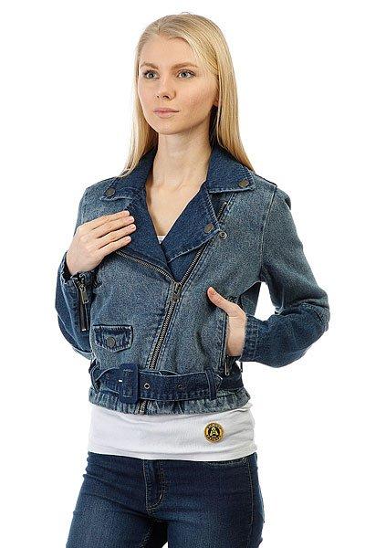Куртка джинсовая женская Roxy Ogeia Jacket Light BlueСтильная куртка из модного денима – всегда актуальна в любом гардеробе.Характеристики:Байкерский стиль. Мягкий винтажный эффект. Застежка – молния. Лицевой карман. Манжеты на молнии. Ремень на поясе.<br><br>Цвет: синий<br>Тип: Куртка джинсовая<br>Возраст: Взрослый<br>Пол: Женский