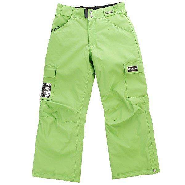 Штаны сноубордические детские Grenade Army Corps GreenУтепленные сноубордические брюки в армейском стиле от Grenade. Теперь можно не беспокоиться о юных  райдерах на склоне!Технические характеристики: Утеплитель.Критические швы проклеены.Гетры для ботинок.Карманы для рук, карманы-карго.Графика с логотипом Grenade.<br><br>Цвет: зеленый<br>Тип: Штаны сноубордические<br>Возраст: Детский