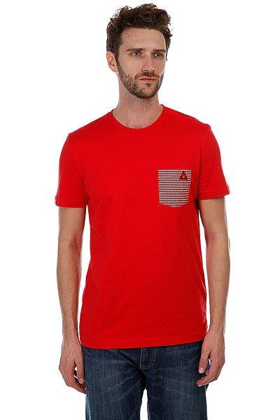 Футболка Le Coq Sportif Geo Jacquard Pocket Pur Rouge<br><br>Цвет: красный<br>Тип: Футболка<br>Возраст: Взрослый<br>Пол: Мужской