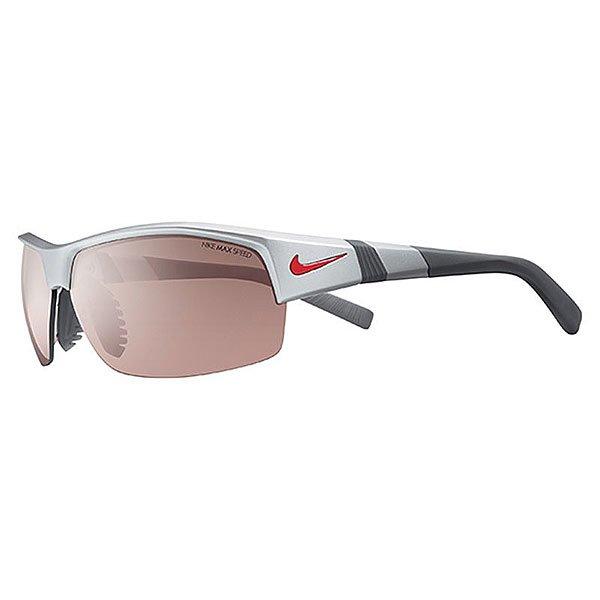 Очки Nike Optics Show X2 E Max Speed Tint/Grey Lens Matte Platinum/Dark GreyNike Show X2 - очки с отличным сцеплением, стабильностью и комфортом. Возможность установки сменных линз, а также Nike Max Lens Technology создают все условия для комфортной видимости в разных условиях. Идеально подходят для бейсбола и тренировок, они также функциональны для зимних видов спорта, гольфа, тенниса и велосипедных прогулок.Технические характеристики: Регулируемая вентилируемая переносица улучшает комфорт и уменьшает запотевание.Петли Cam-action.100% защиты от УФ-лучей.Спортивный дизайн предлагает комфортное покрытие и сводит к минимуму визуальные помехи.Возможно устанавливать сменные линзы.Технология Nike Max Optics - это передовое высокоточное оптическое решение для спортсменов. В сочетании с фотохромной технологией Transitions эти линзы способны адаптироваться к различным условиям спортивной деятельности и к изменениям освещения. Идеальные линзы для самых высоких спортивных результатов.Ширина оправы 16 см, длина дужки 14 см, высота оправы 4,2 см.<br><br>Цвет: мультиколор<br>Тип: Очки<br>Возраст: Взрослый<br>Пол: Мужской