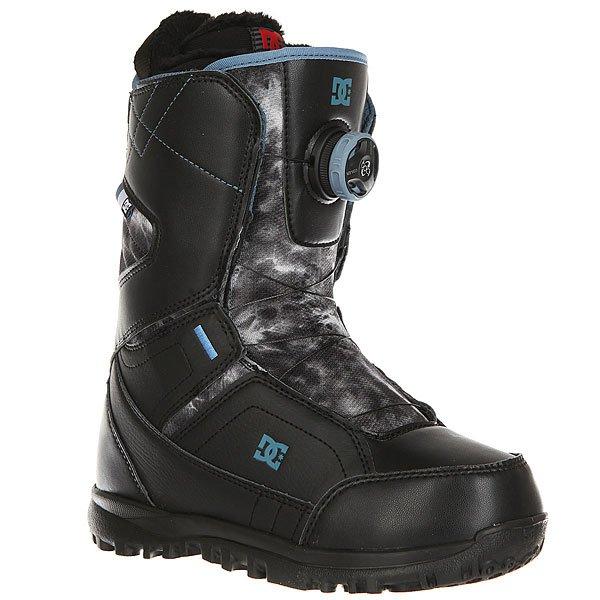 Ботинки для сноуборда женские DC Search Black/WhiteКомфортные и легкие ботинки на технологичной подошве Unilite™.Технические характеристики: Система скоростной шнуровки Boa® H3 Coiler™.Технологичная и легкая подошва Unilite™.Внутренник Red.Базовая сноубордическая стелька.Подошва из полимера EVA.<br><br>Цвет: черный,серый<br>Тип: Ботинки для сноуборда<br>Возраст: Взрослый<br>Пол: Женский