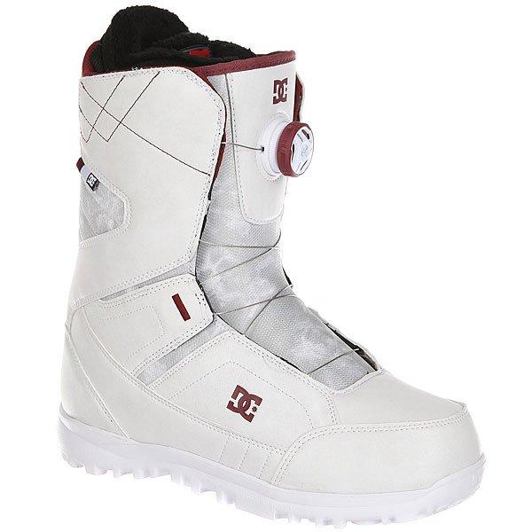 Ботинки для сноуборда женские DC Search White/SyrahКомфортные и легкие ботинки на технологичной подошве Unilite™.Технические характеристики: Система скоростной шнуровки Boa® H3 Coiler™.Технологичная и легкая подошва Unilite™.Внутренник Red.Базовая сноубордическая стелька.Подошва из полимера EVA.<br><br>Цвет: серый<br>Тип: Ботинки для сноуборда<br>Возраст: Взрослый<br>Пол: Женский
