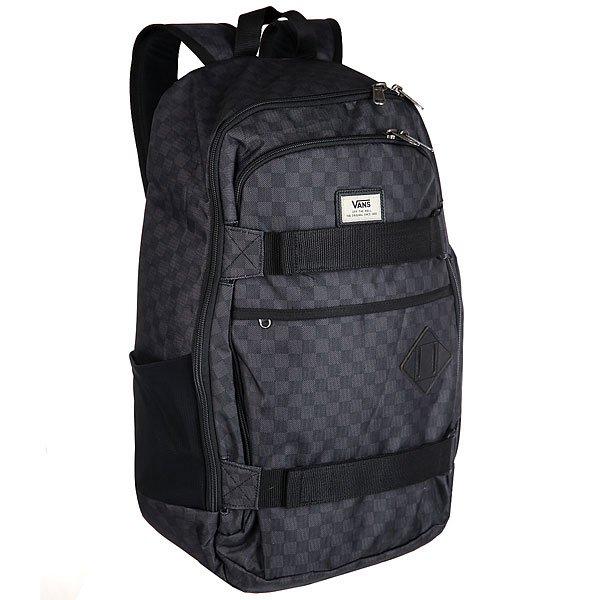 Рюкзак спортивный Vans Transient Iii Sk8 Black/Charcoal100% скейтерский рюкзак для активных и смелых покорителей городских джунглей.Характеристики:Смягченное отделение для лэптопа.Эргономичные смягченные плечевые лямки. Влагопоглощающая подкладка.Смягченная задняя панель с вентиляцией. Карман для бутылки с водой.Лицевые ремни для крепления доски.<br><br>Цвет: черный<br>Тип: Рюкзак спортивный<br>Возраст: Взрослый<br>Пол: Мужской