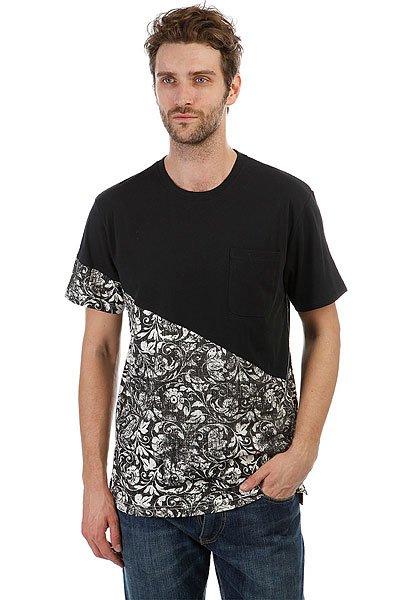 Футболка DC Bloomington Black Regal Rags<br><br>Цвет: черный<br>Тип: Футболка<br>Возраст: Взрослый<br>Пол: Мужской