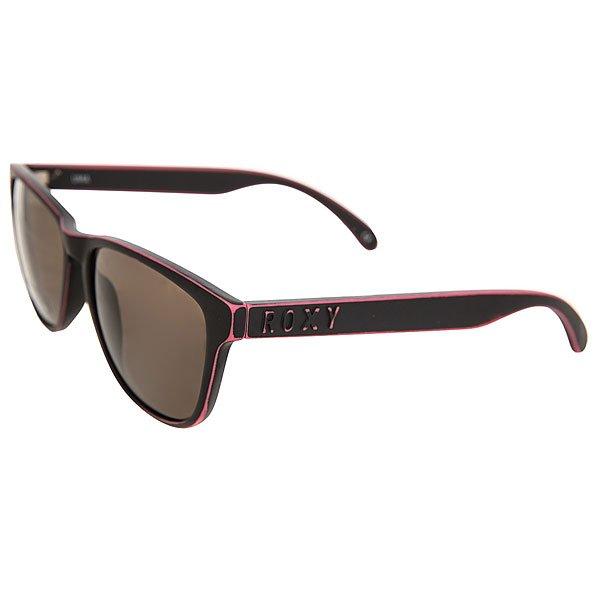 Очки женские Roxy Uma Matte Black Worn PinkУльтрамодные солнцезащитные очки-вайфареры от Roxy.Характеристики:Оправа из гриламида. Логотип бренда и на дужках. Пятислойное покрытие против царапин. 100% защита от вредного излучения.В комплекте прилагается плотный чехол-кейс.<br><br>Цвет: черный,розовый<br>Тип: Очки<br>Возраст: Взрослый<br>Пол: Женский