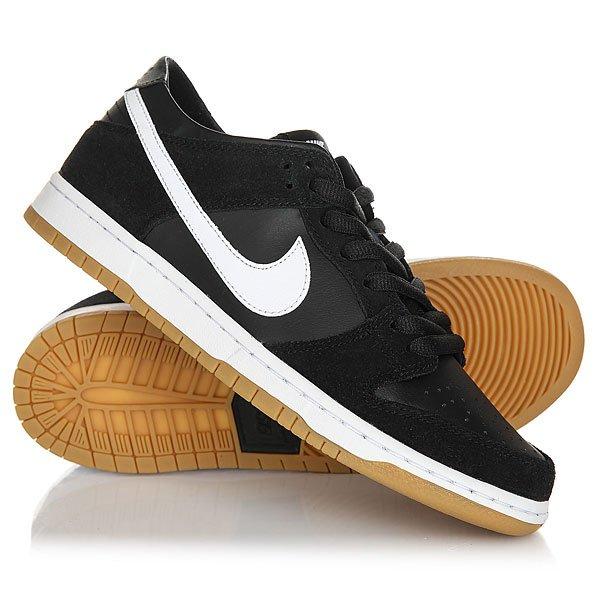 Кеды кроссовки низкие Nike Sb Zoom Dunk Low Pro Black/White-GumСкейтбордические кеды Nike SB Dunk Low Pro созданы исходя из требований профессионального скейтбордиста Ishod Wair. Классический силуэт и низкий профиль, гибкая подошва и винтажная привлекательность.Технические характеристики: Верх из замши и синтетической кожи в винтажном стиле.Перфорированный носок для лучшего воздухообмена.Удобный внутренник для комфорта и стабильности.Стелька Nike Zoom Air обеспечивает отзывчивую амортизацию.Гибкая резиновая подошва с отличным сцеплением.<br><br>Цвет: черный<br>Тип: Кеды низкие<br>Возраст: Взрослый<br>Пол: Мужской