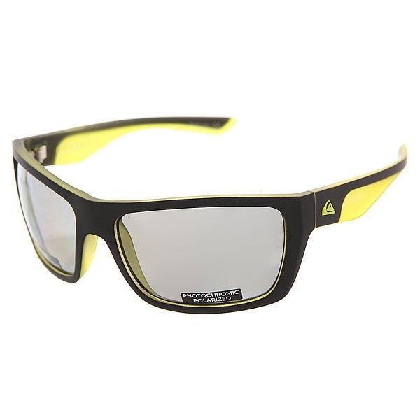 Очки Quiksilver Hideout Plz Pc Matte Black-yellow/PМужские солнцезащитные очки Hideout в спортивной оправе с фотохромными линзами.Технические характеристики: Материал оправы Grilamid.Фотохромные линзы с поляризованным покрытием - еще более надежная защита от солнечных бликов при меняющихся условиях освещения.Ударопрочные линзы из поликарбоната.100% защита от ультрафиолетовых лучей.Линзы 3 категории защиты для очень солнечной погоды.Сделано в Италии.<br><br>Цвет: серый,зеленый<br>Тип: Очки<br>Возраст: Взрослый<br>Пол: Мужской