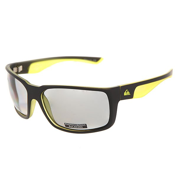 Очки Quiksilver Chaser Plz Pc Matte Black-yellow/PМужские солнцезащитные очки Chaser в спортивной оправе с фотохромными линзами.Технические характеристики: Материал оправы Grilamid.Фотохромные линзы с поляризованным покрытием - еще более надежная защита от солнечных бликов при меняющихся условиях освещения.Ударопрочные линзы из поликарбоната.100% защита от ультрафиолетовых лучей.Линзы 3 категории защиты для очень солнечной погоды.Сделано в Италии.<br><br>Цвет: зеленый,серый<br>Тип: Очки<br>Возраст: Взрослый<br>Пол: Мужской