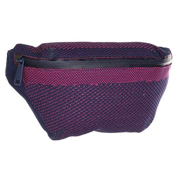 Сумка поясная Herschel Apex Seventeen Medieval Blue/Pink YarrowПовседневная поясная сумка Herschel Supply Co. из прочной ткани.Характеристики:Застегивается сверху на изогнутую молнию. Внутреннее отделение на подкладке. Передний карман на молнии.Регулируемый съемный ремень с пряжкой.<br><br>Цвет: синий,розовый<br>Тип: Сумка поясная<br>Возраст: Взрослый<br>Пол: Мужской