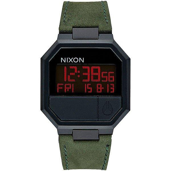 Электронные часы Nixon Re Run Leather Black/CamoNixon Re-Run Leather гармонично соединили в себе невозможное: корпус из 80-годов, футуристический дисплей и кожаный ремешок и получилась неожиданно стильная и яркая вещь, готовая удивить любого искушенного ценителя небольших аксессуаров. Эти часы чем-то напоминают олдскульный калькулятор из эпохи, когда путешествия во времени казались вполне вероятными и возможными.Характеристики:Электронный цифровой модуль. Функция инвертирования ЖК-дисплея. Функции: часы, минуты, секунды, цифровой календарь, будильник, подсветка, таймер обратного отсчета. Корпус из нержавеющей стали.Задняя крышка из нержавеющей стали. Закалённое минеральное стекло.Водонепроницаемость: 30 метров. Силиконовые литые кнопки.Стальная застежка. Материал ремешка: натуральная кожа.<br><br>Цвет: коричневый<br>Тип: Электронные часы<br>Возраст: Взрослый<br>Пол: Мужской