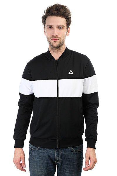 Бомбер Le Coq Sportif Parisia Tracktop BlackНепринужденный и узнаваемый стиль в куртке Le Coq Sportif Parisia с контрастной полосой на груди.Технические характеристики: Эластичные воротник, манжеты и подол.Карманы для рук.Классический фасон бомбер.<br><br>Цвет: черный,белый<br>Тип: Бомбер<br>Возраст: Взрослый<br>Пол: Мужской