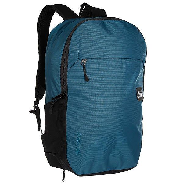 Рюкзак городской Herschel Mammoth Large Legion Blue BlackСозданный для города и путешествий, рюкзак Mammoth изготовлен из водоотталкивающей нейлоновой ткани и включает в себя множество удобных функций.Технические характеристики: Материал - нейлон 210D Nailhead Dobby с базой из нейлона CORDURA®.Водостойкое покрытие 1500 мм.Мягкий карман для ноутбука 15 с клипсой для ключей и чехлом из неопрена.Двухсторонняя молния с прусиком.Внешние карманы из микросетки для бутылки с водой.Дождевик из ткани Ripstop.Контурные плечевые ремни с регулируемым нагрудным ремнем.Декоративная вышивка размеров рюкзака и светоотражающая нашивка Trail ID label.<br><br>Цвет: черный,синий<br>Тип: Рюкзак городской<br>Возраст: Взрослый