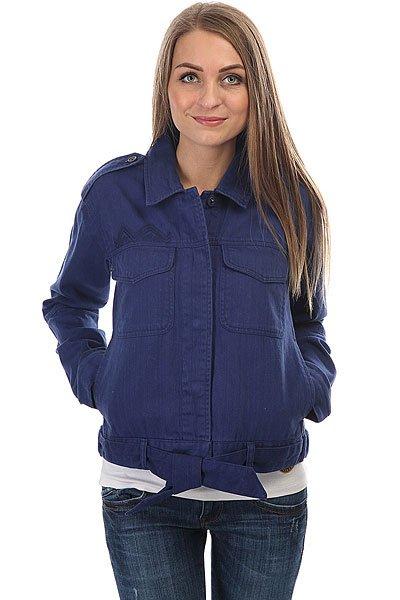 Куртка джинсовая женская Roxy Pasta Peak Blue DepthsПовседневная джинсовая куртка Roxy Pasts Peak.Характеристики:Классический воротник. Застежка – кнопки.Два накладных кармана на груди. Пояс.<br><br>Цвет: синий<br>Тип: Куртка джинсовая<br>Возраст: Взрослый<br>Пол: Женский