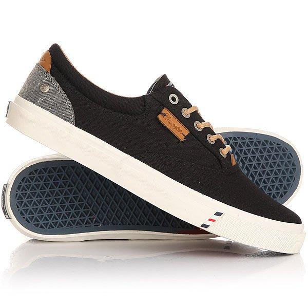 Кеды кроссовки низкие Wrangler Icon Board BlackЛегкие и удобные эти кеды не доставят неудобств при движении, в этой обуви удобно и они отлично смотрятся на ноге. Модель выполнена из натурального материала канвас и дополнена хлопковой стелькой, поэтому Вам будет комфортно, а нога не будет задыхаться.Характеристики:Верх из многослойного текстиля. Мягкая внутренняя съемная стелька из пенорезины EVA с дополнительным подпяточником. Тонкий воротник и язычок. Внутренняя отделка из текстиля. Декоративная кожаная отделка воротника.Круглая  шнуровка с тонированными металлическими люверсами.Цельнокроеный носок.Гибкая вулканизированная резиновая подошва.<br><br>Цвет: черный<br>Тип: Кеды низкие<br>Возраст: Взрослый<br>Пол: Мужской