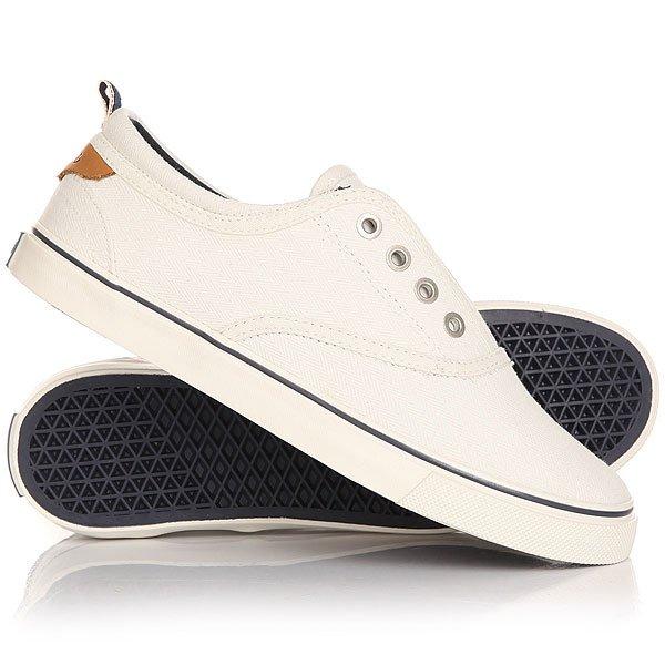 Кеды кроссовки низкие женские Wrangler Icon Board WhiteЛегкие и удобные эти кеды не доставят неудобств при движении, в этой обуви удобно и они отлично смотрятся на ноге. Модель выполнена из натурального материала канвас и дополнена хлопковой стелькой, поэтому Вам будет комфортно, а нога не будет задыхаться.Характеристики:Верх из многослойного текстиля. Мягкая внутренняя съемная стелька из пенорезины EVA с дополнительным подпяточником. Тонкий воротник и язычок. Внутренняя отделка из текстиля. Декоративная кожаная отделка воротника.Круглая  шнуровка с тонированными металлическими люверсами.Цельнокроеный носок.Гибкая вулканизированная резиновая подошва.<br><br>Цвет: белый<br>Тип: Кеды низкие<br>Возраст: Взрослый<br>Пол: Женский