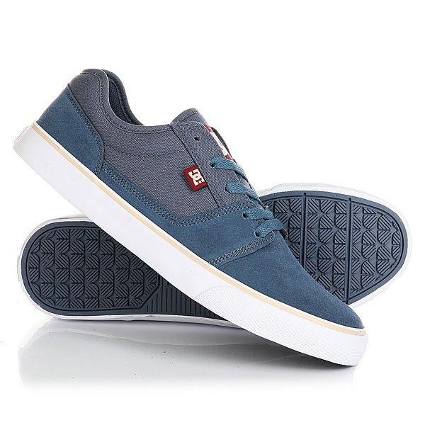 Кеды кроссовки низкие DC Tonik Vintage IndigoНизкие кеды Tonik от DC Shoes.Характеристики:Легкий и дышащий верх.Вулканизированная конструкция для более чуткого контроля доски.Износостойкая каучуковая подошва. Цельнокроеный носок. Круглая шнуровка.Фирменный рисунок протектора подошвы DC Pill Pattern.<br><br>Цвет: синий<br>Тип: Кеды низкие<br>Возраст: Взрослый<br>Пол: Мужской