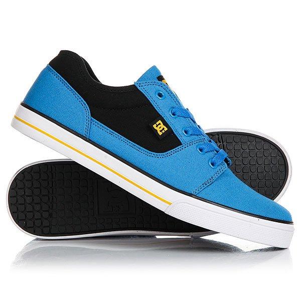 Кеды кроссовки низкие детские DC Tonik Tx Blue/Black/GreyСамое главное в детской обуви - этоудобная подошваи хорошая вентиляция. В DC Tonik TX все это присутствует: гибкая вулканизированная подошва, используемая в скейтбордической обуви не только дает прекрасное чувство доски, но и дарит комфорт и легкость, а прочный текстиль обладает дышащими свойствами.Характеристики:Классический скейтовый дизайн.Металлические люверсы для шнурков. Вшитый логотип DC сбоку и на язычке.Сплошной бесшовный нос: меньше вероятность повреждений обуви. Гибкая и износостойкая резиновая подошва. DC Pill Pattern – фирменный рисунок протектора подошвы. Вулканизированная конструкция подошвы обеспечивает феноменальный контроль над доской и лучшую гибкость.<br><br>Цвет: синий<br>Тип: Кеды низкие<br>Возраст: Детский