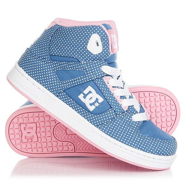 Кеды кроссовки высокие детские DC Rebound Tx Se Blue/White PrintУдобные высокие детские кеды DC Rebound SE созданы для комфортных прогулок, динамичных пробежек и максимального удобства. Высокая манжета ботинка и язычок заполнены вспененным материалом EVA для лучшей поддержки голеностопа, перфорация в области носа позволит ногам дышать, а классический скейтовый дизайн DC добавит стиля будущему скейтбордисту, с малых лет прививая вкус к уличной моде.Характеристики:Пластиковые люверсы дополнительной шнуровки. Мягкий вспененный язычок и манжета для дополнительной поддержки.Перфорация на носу. Нашивка с фирменным логотипом на язычке.Нанесенный сбоку логотип. Легкая и гибкая резиновая подошва. Фирменный цепкий протекторPill Pattern.<br><br>Цвет: синий<br>Тип: Кеды высокие<br>Возраст: Детский