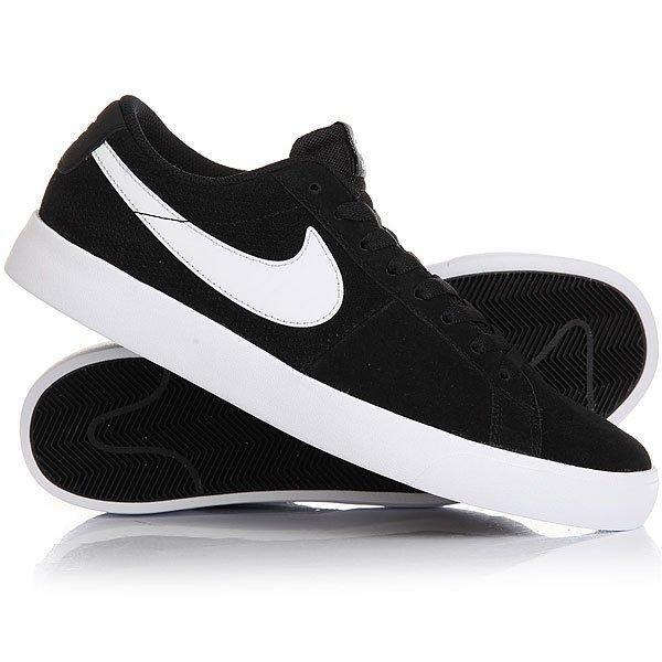 Кеды кроссовки низкие Nike Sb Blazer Vapor Black/WhiteМужская обувь для скейтбординга SB Blazer в знаменитом профиле для бесконечных скейт-сессий, добавьте к этому легкую защиту от ударов и прочный верх из замши.Технические характеристики: Верх из замши для поддержки и долговечности.Технология Nike Zoom для низкопрофильной амортизации и легкой производительности.Традиционная вулканизированная конструкция обеспечивает обтекаемый низкий профиль.Перфорированный верх для воздухопроницаемости.Резиновая подошва с протектором елочка - прочная, с отличным сцеплением и чувствительностью доски.<br><br>Цвет: черный<br>Тип: Кеды низкие<br>Возраст: Взрослый<br>Пол: Мужской