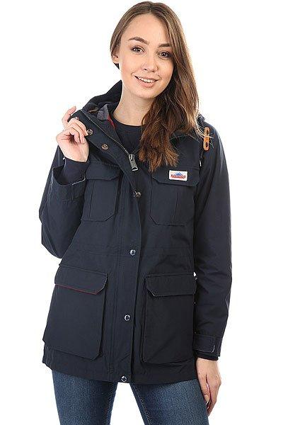 Куртка женская Penfield Kasson NavyАмериканская марка Penfield, основанная в 1975 году в штате Массачусетс, известном морозными и ветреными зимами, начинала с производства тёплой верхней одежды и флисовых кофт.По прошествии сорока лет марка приобрела популярность далеко за пределами США, но осталась верна своим традициям и по-прежнему уделяет особое внимание всевозможным куртках и пуховикам.Характеристики:Ветровка Kasson выполнена из водоотталкивающего материала. Утеплённая подкладка, что превращает её в универсальную модель для промозглой осенней погоды. Потайная регулировка пояса.Застежка – молния+кнопки. 4 накладных лицевых кармана. Фиксированный капюшон с регулировкой.<br><br>Цвет: синий<br>Тип: Куртка<br>Возраст: Взрослый<br>Пол: Женский