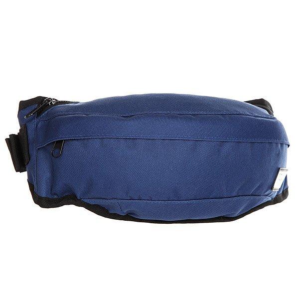 Сумка поясная Transfer Banan NavyВместительная сумка на пояс с карманами и регулируемым ремешком. Универсальный дизайн для спорта и активного отдыха.Технические характеристики: Основное отделение и внешний карман на молнии.Регулируемый ремешок с пластиковой застежкой.Компактный дизайн украшенный логотипом бренда Transfer.<br><br>Цвет: синий<br>Тип: Сумка поясная<br>Возраст: Взрослый<br>Пол: Мужской