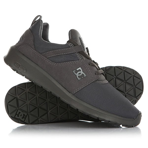 Кроссовки DC Heathrow GreyМужские кроссовки Heathrow с дышащим верхом, амортизирующей стелькой OrthoLite и комфортной подошвой IMEVA UniLite от DC Shoes.Технические характеристики: Новый универсальный дизайн на каждый день.Дышащий текстильный верх.Цельный и надежный внутренник.Усиленный носок для прочности и надежности.Мягкий воротник и язычок обеспечивают комфортную посадку.Комфорт и поддержка за счет легкой промежуточной подошвы IMEVA UniLite.Амортизирующая стелька OrthoLite.Цепкая каучуковая подошва.<br><br>Цвет: серый<br>Тип: Кроссовки<br>Возраст: Взрослый<br>Пол: Мужской