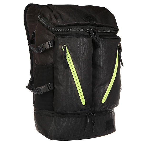 Рюкзак туристический Nixon Scripps Backpack WoodgrainСтильный и практичный рюкзак с весьма оригинальным верхним доступом к основному отделению. Имеется уплотнённый отсек для ноутбука, быстро добраться до которого можно при помощи молнии сбоку. Два объемных внешних кармана на молнии вместят необходимые мелочи и позволят держать их в быстром доступе.Характеристики:Вместительное основное отделение.Отделение для ноутбука с боковым доступом. Два внешних кармана на молнии. Мягкая прочная задняя панель. Мягкие лямки. Боковые эластичные сетчатые карманы. Компрессионные ремни. Нашивка с фирменным логотипом.<br><br>Цвет: черный,зеленый<br>Тип: Рюкзак туристический<br>Возраст: Взрослый