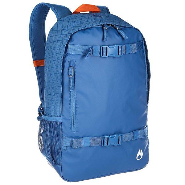 Рюкзак спортивный Nixon Smith Skatepack Ii Vivid BlueСмело берите с собой в дорогу ноутбук - в прочном рюкзаке из полиэстера со специальным с влагозащитным покрытием для него есть специальное мягкое отделение. Также в наличии медиакарман с отверстием для наушников, сетчатый карман для бутылки и, конечно же, регулируемые ремни для скейта.Характеристики:Основное отделение на молнии.Внутренний медиа-карман. Ремни для крепления скейта. Мягкая прочная задняя панель. Регулируемые мягкие лямки. Корпус: 600D полиэстер с 1200D полиуретановым покрытием Rip Stop. Материал:600D полиэстер с 1200D полиуретановым покрытием Rip Stop,подкладка: полиэстер 210D.<br><br>Цвет: синий<br>Тип: Рюкзак спортивный<br>Возраст: Взрослый