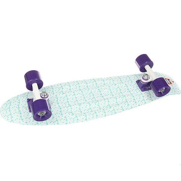 Скейт мини круизер Пластборд Cloud White/Light Blue 7.25 x 27 (68.5 см)Пластборд Юнион (68.6 см) — наверное, самая «вкусная» доска в коллекции. Похожая на фруктовый леденец, эта «малышка» не должна вводить вас в заблуждение, что она детская. Пластборд подойдет и детям от 3-х лет, и взрослым, так как способен выдержать более 400 кг нагрузки, что было проверено с помощью автомобиля, переезжающего лонгборд. Прозрачная дека эффектно выглядит на солнце, а светящиеся во время движения колеса сделают ваше катание не только красивее, но и безопаснее, ведь в темное время суток вас будет видно издалека. Фишка производителя «Юнион» — влагоотталкивающие подшипники, которые благодаря смазке не боятся влажного асфальта. Если Вы привыкли к классическим скейтбордам, у вас может возникнуть вопрос: «А где же шкурка»? Функцию шкурки выполняет нестираемая гравировка, которая дает достаточное сцепление для стабильности стойки.Характеристики:Светящиеся во время движение колеса.Выдерживает более 400 кг. Пожизненная гарантия на деку от производителя.Для взрослых и детей от 3-х лет. Прогиб – прямой. Подвеска – Standart Kingpin. Подшипники – ABEC7. Колеса – 59 мм 83А. Максимальная нагрузка – 400 кг.<br><br>Цвет: белый,голубой<br>Тип: Скейт мини круизер
