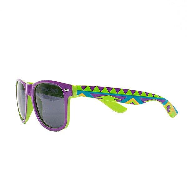 Очки TrueSpin Aztec Wayfarer PurpleСолнцезащитные очки TrueSpin в классической wayfarer-оправе, выполненные из прочного пластика с ярким геометрическим принтом на дужках.Технические характеристики: Классическая оправа.Надёжный механизм.Линзы с защитой от ультрафиолета UV400.Материал - пластик.Длина дужки - 14 см, ширина оправы - 14 см, высота линзы - 5 см.<br><br>Цвет: зеленый,фиолетовый<br>Тип: Очки<br>Возраст: Взрослый<br>Пол: Мужской