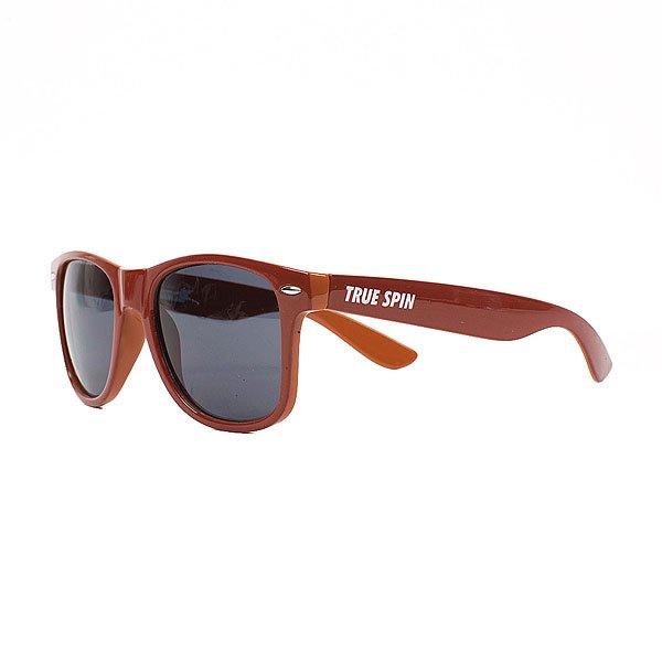 Очки TrueSpin Wayfarer RedСтильные солнцезащитные очки TrueSpin в классической wayfarer-оправе из прочного пластика.Технические характеристики: Классическая оправа.Надёжный механизм.Линзы с защитой от ультрафиолета UV400.Материал - пластик.Длина дужки - 14 см, ширина оправы - 14 см, высота линзы - 5 см.<br><br>Цвет: коричневый<br>Тип: Очки<br>Возраст: Взрослый<br>Пол: Мужской