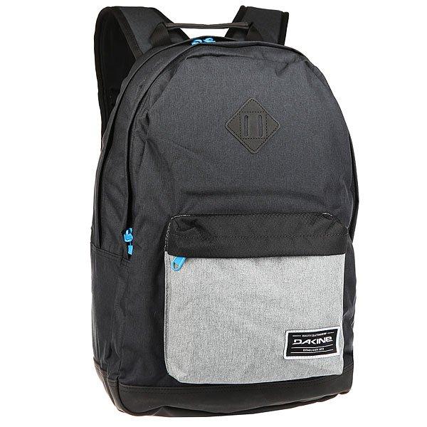 Рюкзак городской Dakine Detail TaborКомпактный городской рюкзак со множеством отделений для самых разных вещей дополнен эргономичными плечевыми ремнями для удобства и плотной вставкой из искусственной замши в нижней части рюкзака для прочности.Технические характеристики: Материал - полиэстер 600D и искусственная замша.Мягкий карман для ноутбука. Подходит для большинства моделей ноутбуков с диагональю экрана 15.Внешний карман на молнии.Эргономичные плечевые ремни и ручка.Нагрудный регулируемый ремень.Уплотненное дно из искусственной замши.Дополнительное крепление на внешней стороне.Логотип Dakine.<br><br>Цвет: серый,Темно-синий<br>Тип: Рюкзак городской<br>Возраст: Взрослый