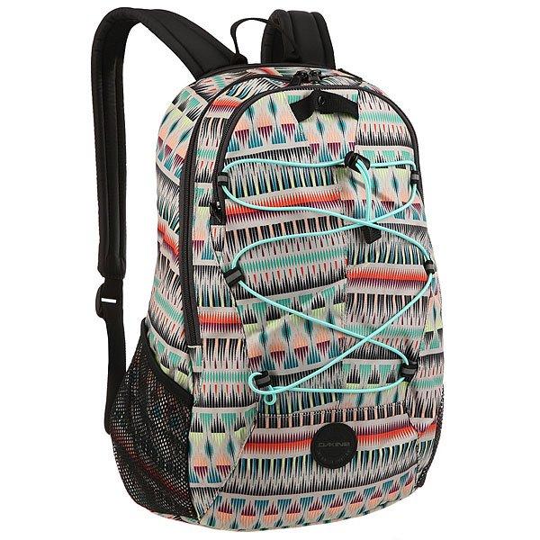 Рюкзак городской женский Dakine Transit ZanzibarКомпактный, но при этом вместительный городской женский рюкзак Dakine Transit подойдет для городских прогулок, спорта и даже учебы.Технические характеристики: Материал - полиэстер 600D.Крепление для пледа или вещей.Карман для мелочей.Боковые карманы из сетчатого материала.Карман для солнцезащитных очков.<br><br>Цвет: мультиколор<br>Тип: Рюкзак городской<br>Возраст: Взрослый<br>Пол: Женский