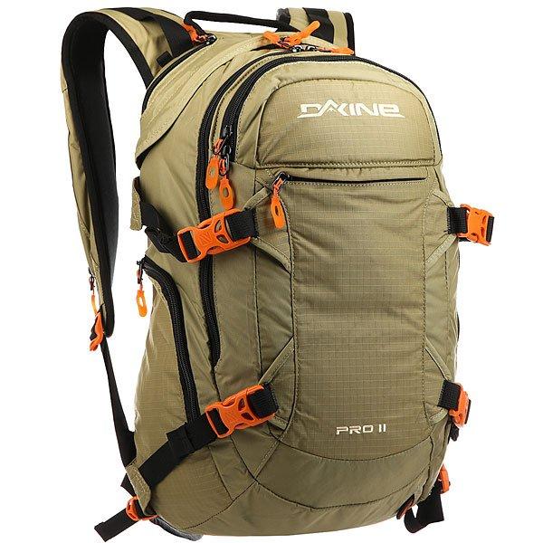 Рюкзак туристический Dakine Pro Ii TaigaDakine PRO II очень вместительный рюкзак для гор, с которым вы можете отправиться даже на серьезное восхождение.Технические характеристики: Материал - нейлон 630D.Водоотталкивающая пропитка.Отделение и подготовка для питьевой системы.Спасательный свисток.Регулируемые поясной и грудной ремни.Крепление для ледоруба.Боковой карман для хранения бутылки с водой.Отделение для лопаты и лавинного снаряжения.Карман с флисовой подкладкой для маски.Вход в основное отделение со спины.Съемное крепление для шлема.Диагональное крепление лыж с выдвижным тросиком.Вертикальное крепление сноуборда.Эргономичная спинка.<br><br>Цвет: бежевый<br>Тип: Рюкзак туристический<br>Возраст: Взрослый