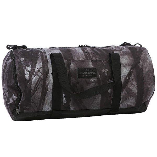 Сумка спортивная Dakine Park Duffle SmolderСпортивная сумка Park Duffle  является прекрасной альтернативой рюкзакам для скейта.Технические характеристики: Материал - полиэстер 600D.Двухсторонняя застежка-молния.Боковой карман на молнии.Ремни для переноски скейтборда.Съемный наплечный ремень.<br><br>Цвет: черный,серый<br>Тип: Сумка спортивная<br>Возраст: Взрослый<br>Пол: Мужской