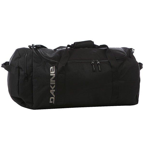 Сумка спортивная Dakine Eq Bag BlackСамая вместительная сумка линейки продуктов EQ. Просторный главный отсек и дополнительный боковой позволяют вместить максимальное количество всего необходимого как для городских поездок, занятий спортом, так и путешествий за город.Технические характеристики: Материал - полиэстер 600D.Вместительный главный отсек с U-образным двухсторонним доступом.Боковой карман на застежке-молнии.Наплечный съемный ремень с регулировкой.<br><br>Цвет: черный<br>Тип: Сумка спортивная<br>Возраст: Взрослый<br>Пол: Мужской