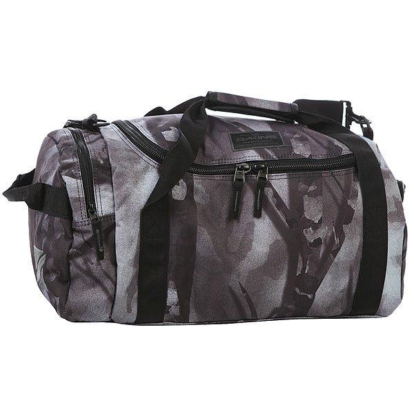 Сумка спортивная Dakine Eq Bag SmolderНебольшая удобная сумка для путешествий с просторным отделением на U-образной застежке.Технические характеристики: Материал - полиэстер 600D.Вместительный главный отсек с U-образным двухсторонним доступом.Боковой карман на застежке-молнии.Наплечный съемный ремень с регулировкой.<br><br>Цвет: черный,серый<br>Тип: Сумка спортивная<br>Возраст: Взрослый<br>Пол: Мужской