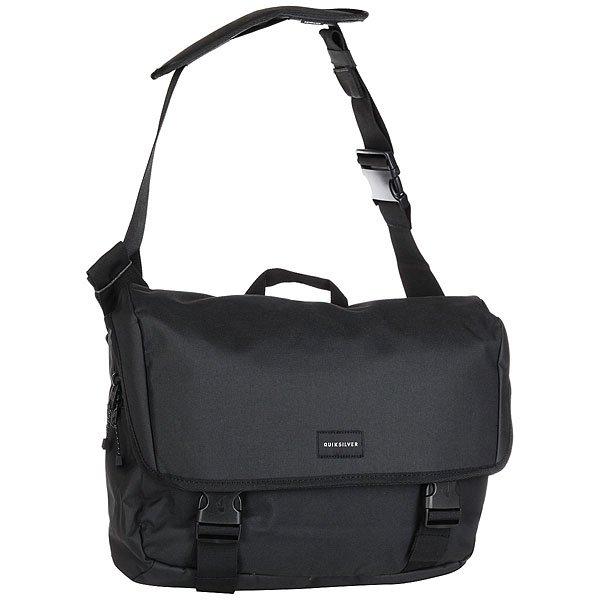 Сумка через плечо Quiksilver Carrier BlackМужская сумка-мессенджер Carrier с внутренним чехлом для ноутбука или планшета.Технические характеристики: Основное отделение на молнии с защитным клапаном.Регулируемая лямка.Компрессионные ремни.Внутренний органайзер.Вшитый чехол для ноутбука/планшета.Регулируемый поясной ремень.<br><br>Цвет: черный<br>Тип: Сумка через плечо<br>Возраст: Взрослый<br>Пол: Мужской