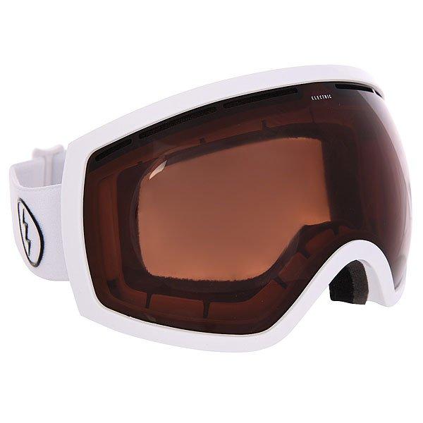 Маска для сноуборда Electric Eg2 Gloss White BroseУдобная сноубордическая маска с большой линзой, которая обеспечит превосходный обзор без бликов и искажений в любых погодных условиях. Благодаря двойной линзе и продуманной системе вентиляции маска не будет запотевать, а большой размер линзы и уменьшенная оправа обеспечат максимальный угол обзора . Трехслойный вспененный материал с антибактериальным флисовым покрытием обеспечит комфортную посадку, а силиконовые вставки помогут избежать соскальзывание. Характеристики:100% защита от ультрафиолета (UV).Двойные сферические поликарбонатные линзы, крупные. Покрытие, устойчивое к образованию царапин. Противотуманное покрытие. Антибликовое покрытие.Поляризованные линзы. Для расцветок с маркировкой в названии +BL - бонусная линза в комплекте (фильтр Yellow chrome или Clear).Эргономичная форма.Ультралёгкая и прочная конструкция из термопластичного уретана. Слой из трёхслойного вспененного материала по контуру, эргономично спроектированного под лицо.Регулируемый ремешок, шириной 40 мм. Совместима со шлемами. В комплекте чехол из микрофибры.<br><br>Цвет: белый,коричневый<br>Тип: Маска для сноуборда<br>Возраст: Взрослый<br>Пол: Мужской