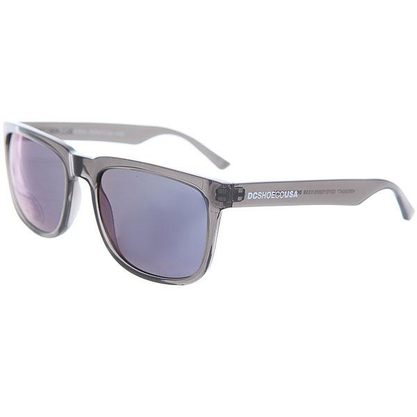 Очки DC Shades Crystal SmokeМужские солнцезащитные очки в классической квадратной оправе от DC Shoes.Технические характеристики: Прочные линзы из поликарбоната.100% защита от ультрафиолетовых лучей.Линза 3 категории защиты.Оправа из поликарбоната.Контрастный логотип DC на дужке.<br><br>Цвет: серый,синий<br>Тип: Очки<br>Возраст: Взрослый<br>Пол: Мужской